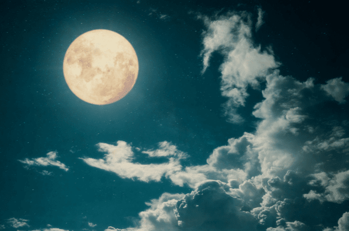 cleanse crystals with moonlight